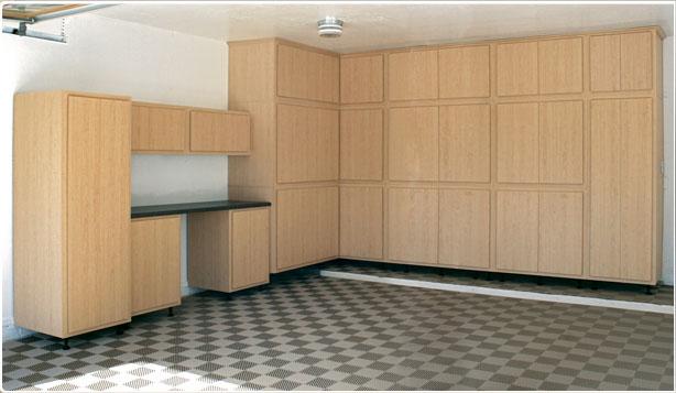 hgtv kitchen design oak cabinets